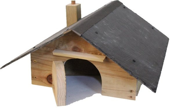 "Hedgehog House with natural slate roof and ""room divider"""